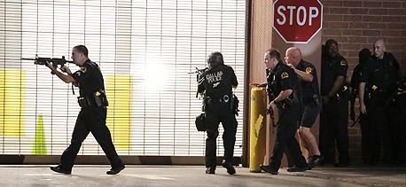 בעקבות תקרית הירי בדאלאס, אתמול, צילום: אי פי