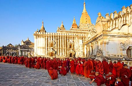 נזירים בודהיסטים במיאנמר, צילום: siamroads