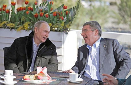 באך ופוטין. לא נעים להזכיר מול כולם שרוסיה מרמה