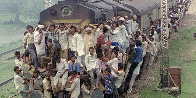 """הרכבות בהודו יעברו מהפך, שליש מהמימון יגיע מאג""""ח"""