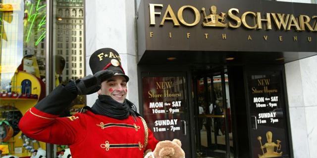 התגעגעתם? חנות הצעצועים המיתולוגית FAO Schwarz חוזרת לניו יורק
