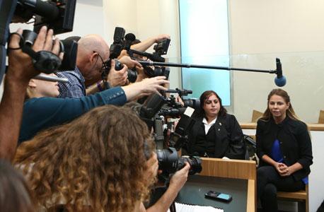 ענבל אור בבית המשפט לפני החלטת השופט