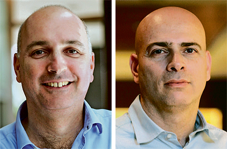 """מימין: מנכ""""ל הלמן־אלדובי רמי דרור ומנכ""""ל מיטב דש אילן רביב"""