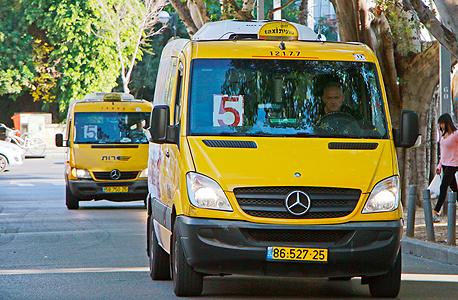 מונית שירות בתל אביב (ארכיון). עוד 1,700 מוניות יתווספו ל-800 הקיימות