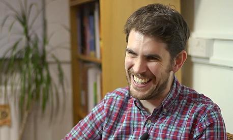 """ראש צוות הפיתוח שון מורי. """"קנבס עצום"""", צילום מסך: Youtube.com"""