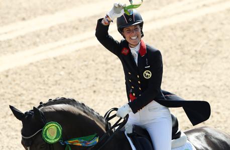 שרלוט דוג'ארדין רוכבת סוסים בריטית זכתה במדליית זהב ב אולימפיאדת ריו אולימפיאדה, צילום: איי פי