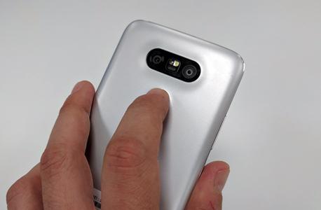 LG G5 SE סמארטפון 5, צילום: ראפל קאהאן
