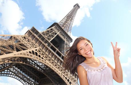 תיירת סינית בפריז, צילום: שאטרסטוק
