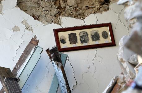 רעידת אדמה איטליה בית שנחרב ב אמטריצ'ה, צילום: רויטרס