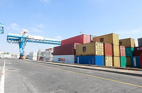 מכולות תקועות בנמל אשדוד (ארכיון), צילום: גדי קבלו