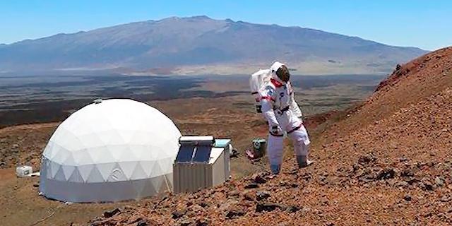 אחרי שנה בסימולטור שמדמה את מאדים האסטרונאוטים שבים הביתה