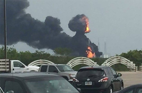 AMOS-6 destroyed in a Falcon 9 explosion in Florida, September 2016