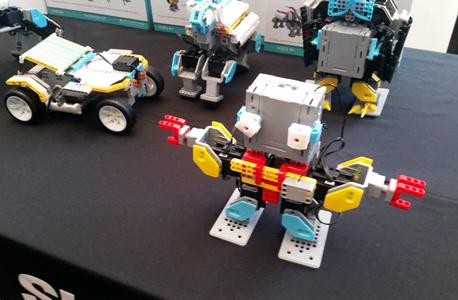 Jimu Robot. לא רעיון חדש אבל עדיין מלהיב, צילום: ליאור באקאלו