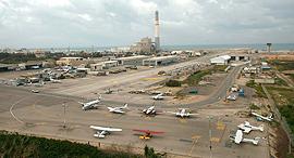שדה דב שדה תעופה מטוס מטוסים, צילום: עמית שעל