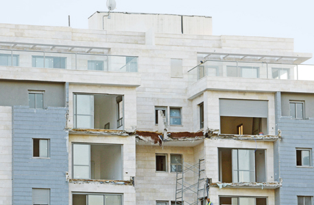קריסת מרפסות ב פרויקט של גינדי השקעות ו הקבלן המבצע אורתם סהר, צילום: נמרוד גליקמן