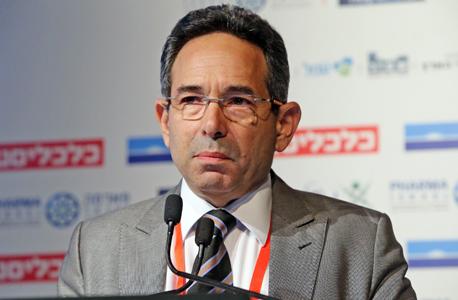"""ד""""ר גיל בפמן, הכלכלן הראשי בנק לאומי, בוועידה הכלכלית הלאומית היום, צילום: צביקה טישלר"""