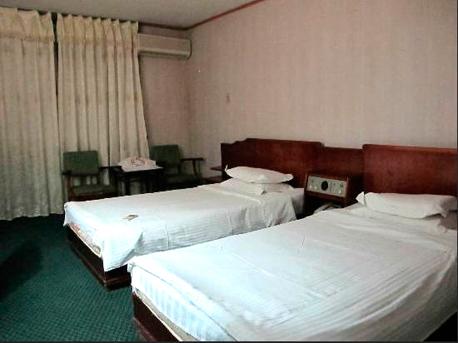 """חדר במלון ריאנגאנג. """"פלטות עם ריפוד"""", צילום: Tripadvisor"""