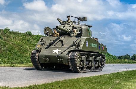 טנק שרמן M4. השתתף בקרב על פריז, צילום: Artcurial