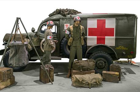 אמבולנס ממלחמת העולם השנייה, צילום: Artcurial