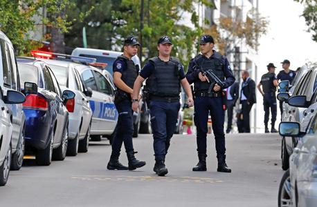 שוטרים ליד שגרירות ישראל באנקרה, צילום: רויטרס