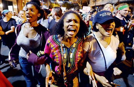 """הפגנת Black Lives Matter בארה""""ב. משתתפי הפגנות תחת מעקב, צילום: אם סי טי"""