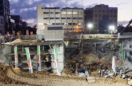 חניון הברזל לאחר הקריסה, צילום: שאול גולן