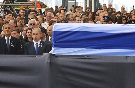 בינימין נתניהו ו ברק אובמה ב לוויה הלוויה של שמעון פרס, צילום: גיל יוחנן
