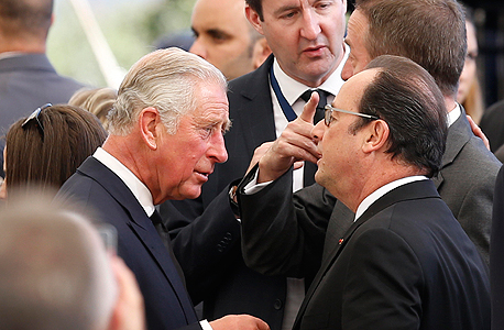 מימין נשיא צרפת פרנסואה הולנד וה נסיך צ'רלס ב לוויה הלוויה של שמעון פרס, צילום: איי פי