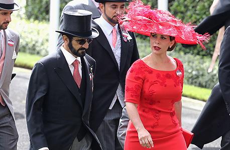 """עם אשתו, הנסיכה הייא, בתו של המלך חוסיין ואחותו של המלך עבדאללה. """"אם הנישואים הם בית ספר, נישואיי לשייח' מוחמד הם אוניברסיטה"""""""