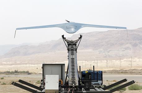 המתריע - BirdEye 6500 של התעשייה האווירית. יכול לטוס ולצלם שמונה שעות ברציפות, לעבד את התצלומים בתוכנה מיוחדת ולזהות מחלות, מזיקים, בעיות השקיה וכו