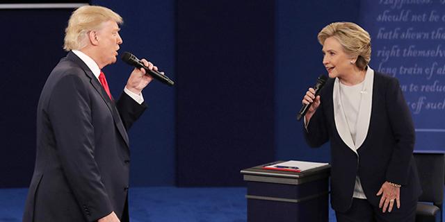 """העימות השני: קלינטון - """"הקלטת זה בדיוק אתה""""; טראמפ - """"אצלי היית בכלא"""""""