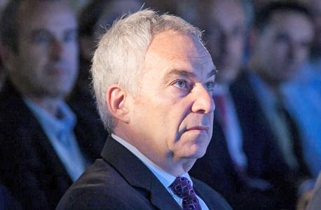 """מנכ""""ל טבע לשעבר ארז ויגודמן. אדריכל העסקה הכושלת"""