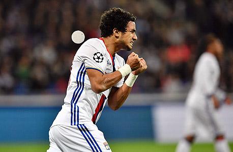 רפאל מגן ליון כדורגל צרפתי, צילום: איי אף פי