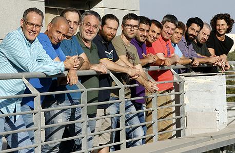 לאוריקס 20 עובדים בישראל