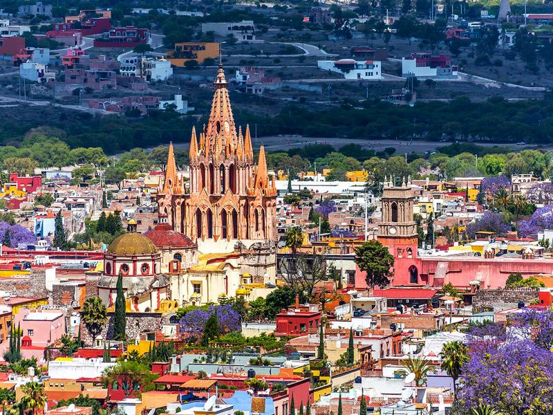 5. סן מיגל דה איינדה, מקסיקו: העיר מהתקופה הקולוניאלית נחשבת לאחת היפות במקסיקו, כולל גנים מרשימים, רחובות מרוצפים ואזור היסטורי. ב-2008 הוכתרה העיר לאתר מורשת עולמי