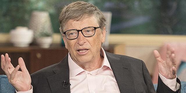 כמו בני אדם: ביל גייטס מציע להטיל מס על הרובוטים בתעשייה