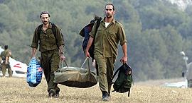 חיילים מילואים חייל מילואימניק, צילום: אפי שריר
