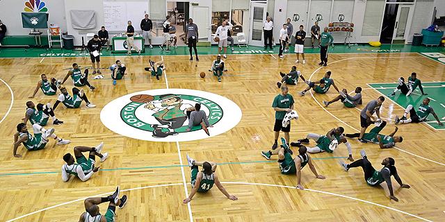 אולם האימונים של בוסטון סלטיקס ייקרא על שם נשיא ומאמן העבר רד אורבך