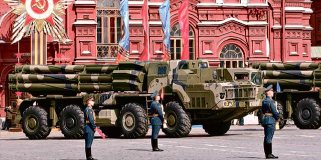 """רוסיה מקצצת בתקציב הממשלתי: """"כמעט כמו עולם שלישי"""""""
