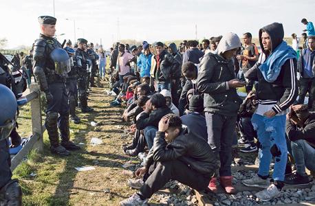 """פליטים בצרפת. """"אנחנו ניצבים מול משברים הומניטריים בסדרי גודל שהעולם לא ראה כמותם עשרות שנים"""" , צילום: אם סי טי"""