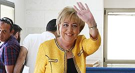 מרים פיירברג, ראש עיריית נתניה, בבית המשפ. חשודה בקבלת טובת הנאה מקבלנים