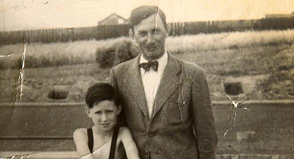 1945. יהודה ברוניצקי בן ה-12 עם אביו נפתלי דרוהוביץ', פולין