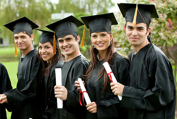 Graduating students (illustration). Photo: Shutterstock