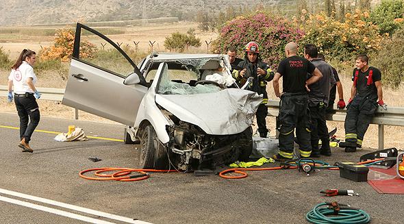 תאונת דרכים (ארכיון), צילום: אלעד גרשגורן