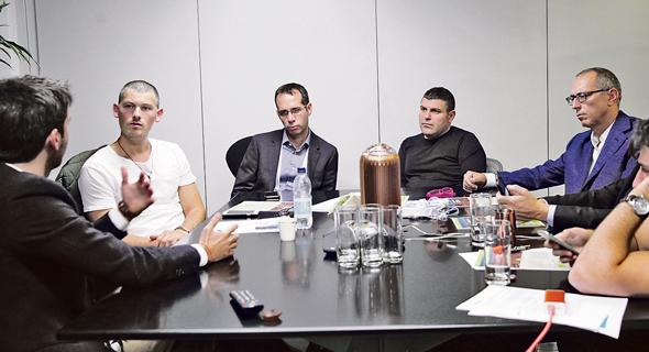 ירון שידלו, טדי שגיא, הדן אורנשטיין וגיא וייס בשיחה עם עידו הולצמן