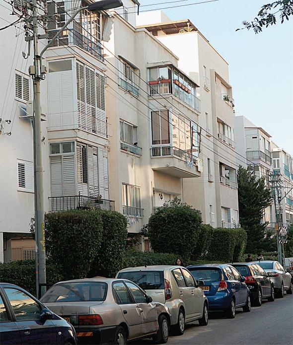 """רחוב ברובע 3 של ת""""א, בין רחוב אבן גבירול לים"""