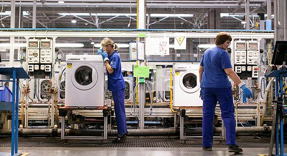 מפעל של אלקטרולוקס , צילום: בלומברג