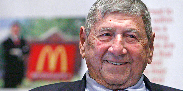 """מת ממציא ה""""ביג-מק"""" של מקדונלד'ס בגיל 98"""