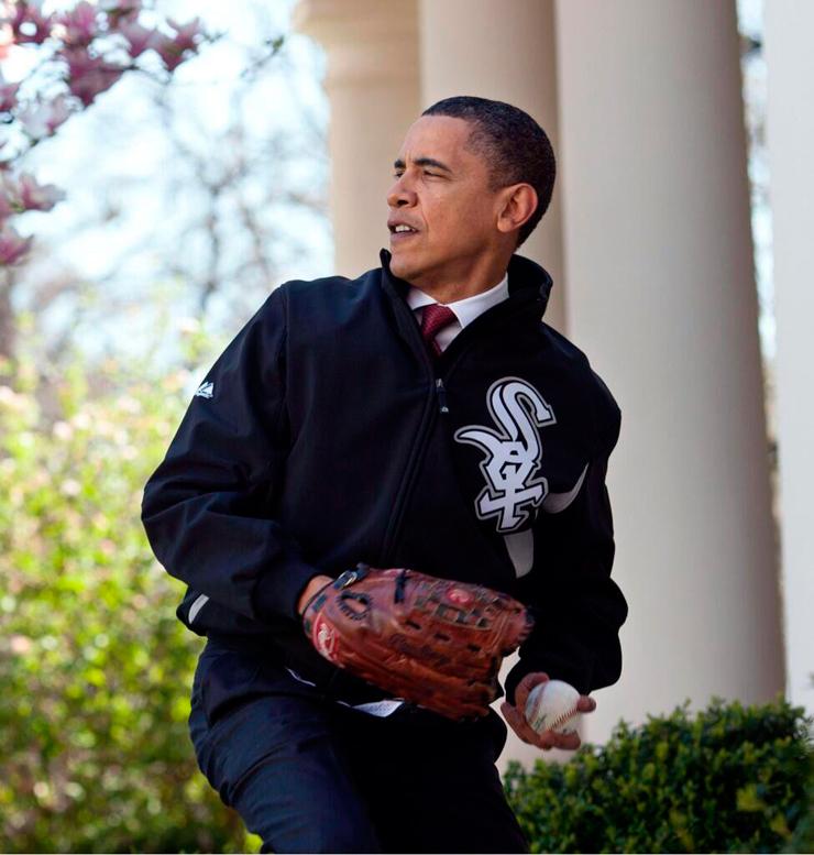 מאי 2014. אובמה מתכונן לביקור בהיכל התהילה של הבייסבול
