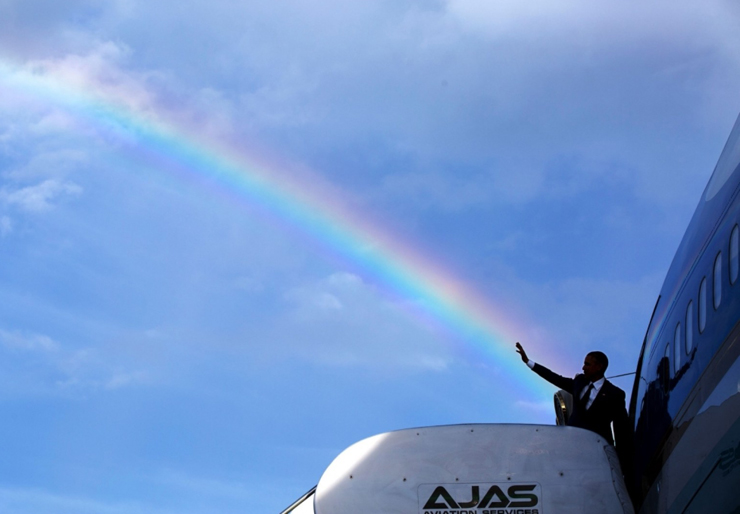אפריל 2015. הנשיא אובמה נפרד לשלום ממארחיו בג'מייקה